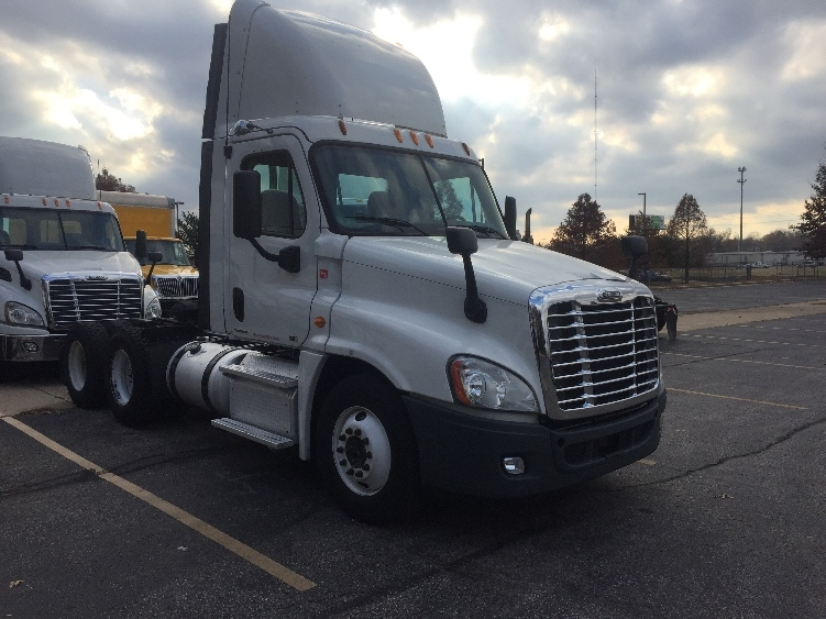 Day Cab Tractor-Heavy Duty Tractors-Freightliner-2012-Cascadia 12564ST-MEMPHIS-TN-337,281 miles-$44,250