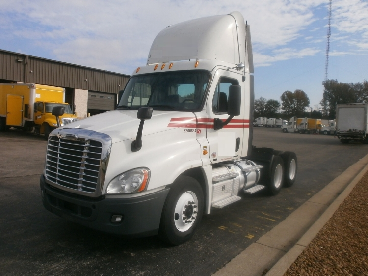 Day Cab Tractor-Heavy Duty Tractors-Freightliner-2012-Cascadia 12564ST-MEMPHIS-TN-334,069 miles-$44,250