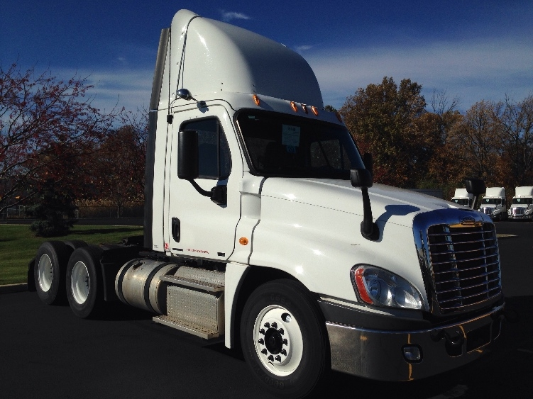Day Cab Tractor-Heavy Duty Tractors-Freightliner-2012-Cascadia 12564ST-NORTHWOOD-OH-227,322 miles-$44,750