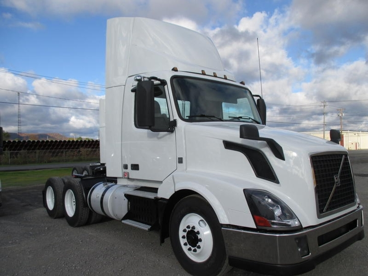 Day Cab Tractor-Heavy Duty Tractors-Volvo-2013-VNL64T300-GUILDERLAND CENTER-NY-253,801 miles-$41,750