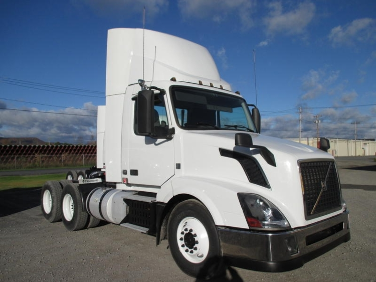 Day Cab Tractor-Heavy Duty Tractors-Volvo-2013-VNL64T300-GUILDERLAND CENTER-NY-291,868 miles-$48,500