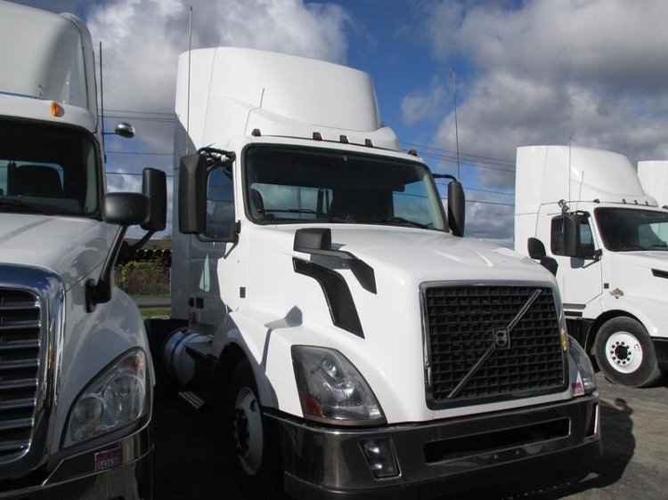 Day Cab Tractor-Heavy Duty Tractors-Volvo-2013-VNL64T300-GUILDERLAND CENTER-NY-238,593 miles-$52,250
