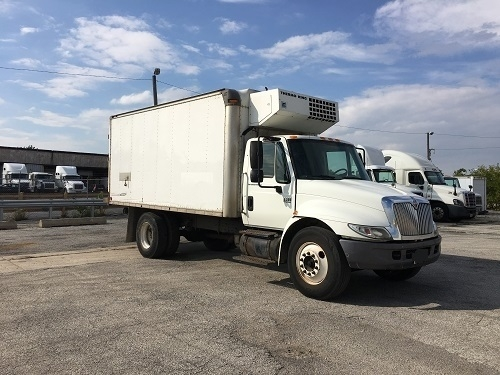 Reefer Truck-Specialized Equipment-International-2003-4300-STICKNEY-IL-294,431 miles-$10,750
