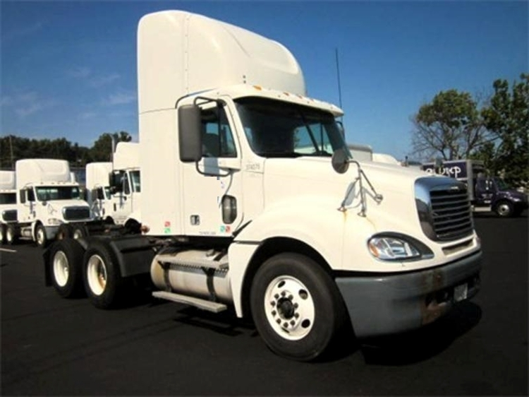 Day Cab Tractor-Heavy Duty Tractors-Freightliner-2007-Columbia CL12064ST-KING OF PRUSSIA-PA-455,484 miles-$24,250