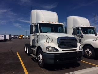 Day Cab Tractor-Heavy Duty Tractors-Freightliner-2007-Columbia CL12064ST-COLUMBUS-OH-891,796 miles-$15,250