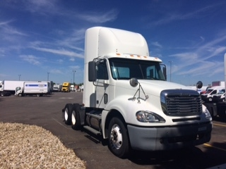 Day Cab Tractor-Heavy Duty Tractors-Freightliner-2007-Columbia CL12064ST-COLUMBUS-OH-792,997 miles-$18,750