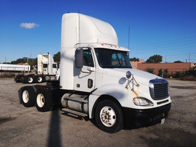 Day Cab Tractor-Heavy Duty Tractors-Freightliner-2007-Columbia CL12064ST-EAST CHICAGO-IN-635,225 miles-$22,700