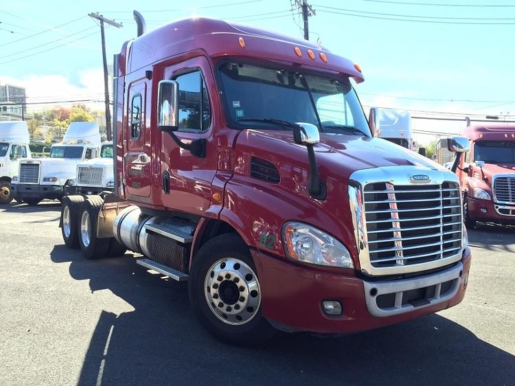 Sleeper Tractor-Heavy Duty Tractors-Freightliner-2012-Cascadia 11364ST-SOUTH KEARNY-NJ-207,693 miles-$55,500