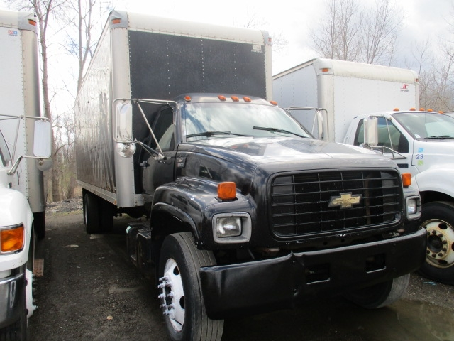 Medium Duty Box Truck-Light and Medium Duty Trucks-Chevrolet-2000-C7H042-ELMIRA-NY-257,968 miles-$6,000