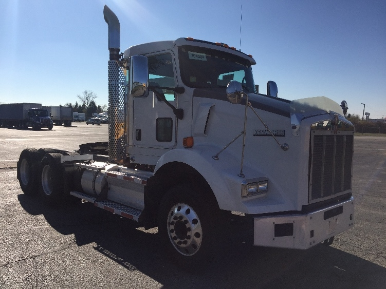 Day Cab Tractor-Heavy Duty Tractors-Kenworth-2010-T800-ROCKFORD-IL-198,863 miles-$40,000