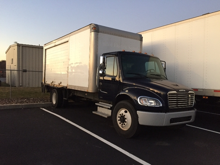 Medium Duty Box Truck-Heavy Duty Tractors-Freightliner-2010-M2-LANCASTER-PA-261,930 miles-$18,250