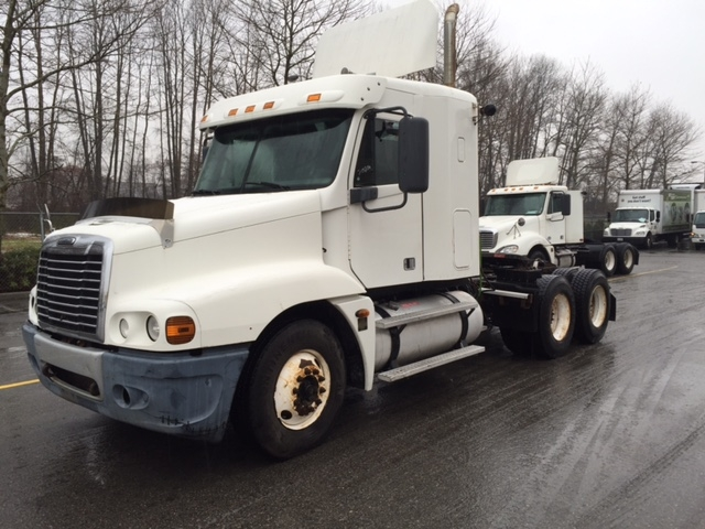 Sleeper Tractor-Heavy Duty Tractors-Freightliner-2006-Century Class CC2064ST-DELTA-BC-826,902 km-$22,500