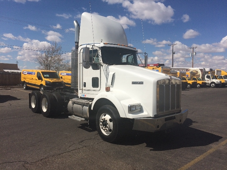 Day Cab Tractor-Heavy Duty Tractors-Kenworth-2010-T800-ALBUQUERQUE-NM-402,180 miles-$41,500