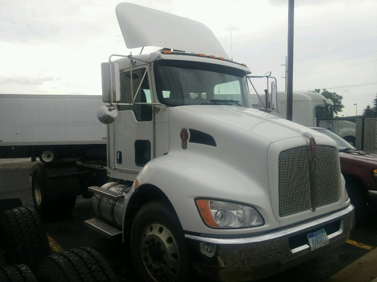 Day Cab Tractor-Heavy Duty Tractors-Kenworth-2010-T300-KENTWOOD-MI-228,022 miles-$26,000