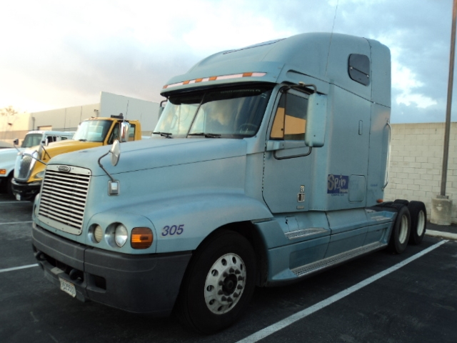 Sleeper Tractor-Heavy Duty Tractors-Freightliner-2000-Century Class CC2064ST-LA MIRADA-CA-1,328,413 miles-$12,750