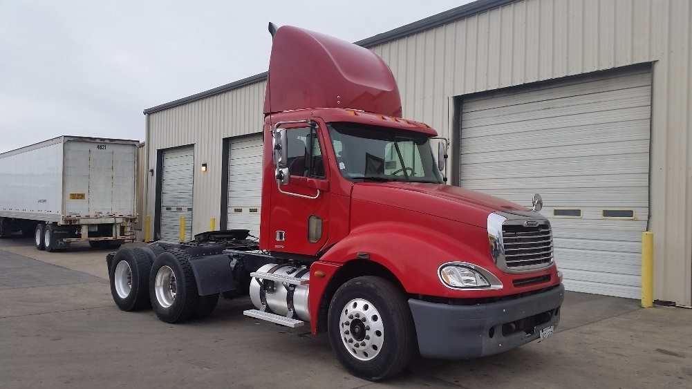 Day Cab Tractor-Heavy Duty Tractors-Freightliner-2006-Columbia CL12064ST-EARTH CITY-MO-385,622 miles-$33,700