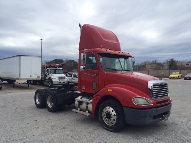 Day Cab Tractor-Heavy Duty Tractors-Freightliner-2006-Columbia CL12064ST-HOUSTON-TX-496,201 miles-$30,250