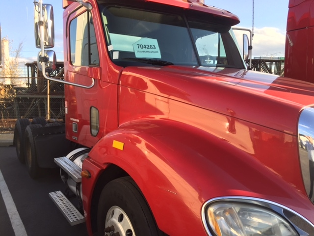 Day Cab Tractor-Heavy Duty Tractors-Freightliner-2006-Columbia CL12064ST-BALTIMORE-MD-466,813 miles-$26,500
