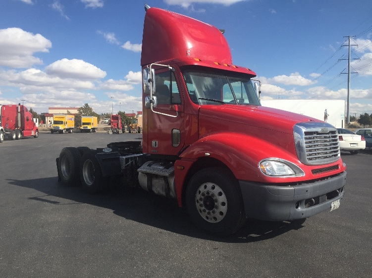 Day Cab Tractor-Heavy Duty Tractors-Freightliner-2006-Columbia CL12064ST-AURORA-CO-455,479 miles-$30,000
