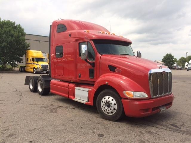 Sleeper Tractor-Heavy Duty Tractors-Peterbilt-2011-387-EAGAN-MN-442,523 miles-$34,450