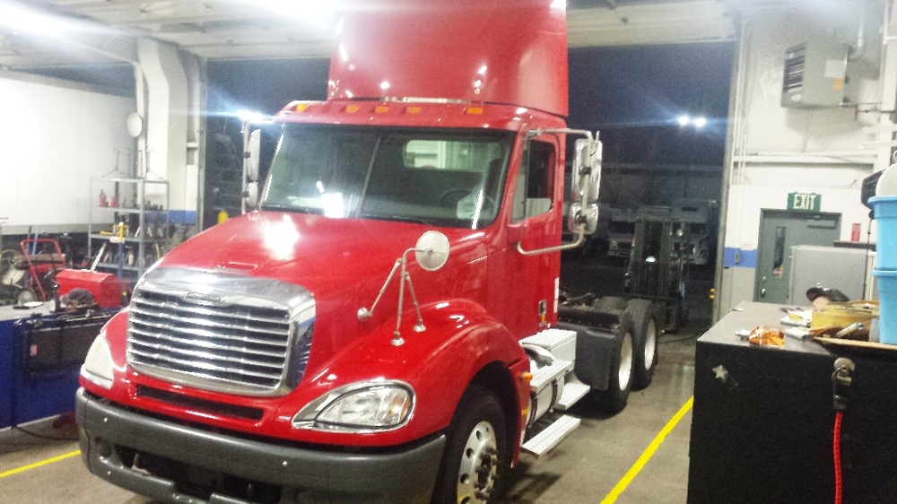 Day Cab Tractor-Heavy Duty Tractors-Freightliner-2006-Columbia CL12064ST-PORTLAND-OR-566,637 miles-$25,200