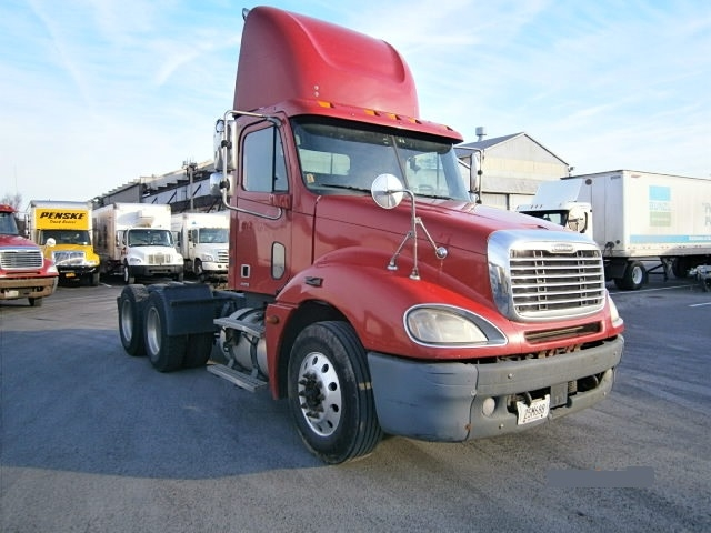 Day Cab Tractor-Heavy Duty Tractors-Freightliner-2006-Columbia CL12064ST-PITTSBURGH-PA-390,223 miles-$27,400