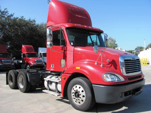 Day Cab Tractor-Heavy Duty Tractors-Freightliner-2006-Columbia CL12064ST-ORLANDO-FL-611,213 miles-$28,200