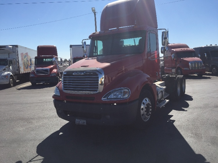 Day Cab Tractor-Heavy Duty Tractors-Freightliner-2007-Columbia CL12064ST-OKLAHOMA CITY-OK-513,232 miles-$34,250