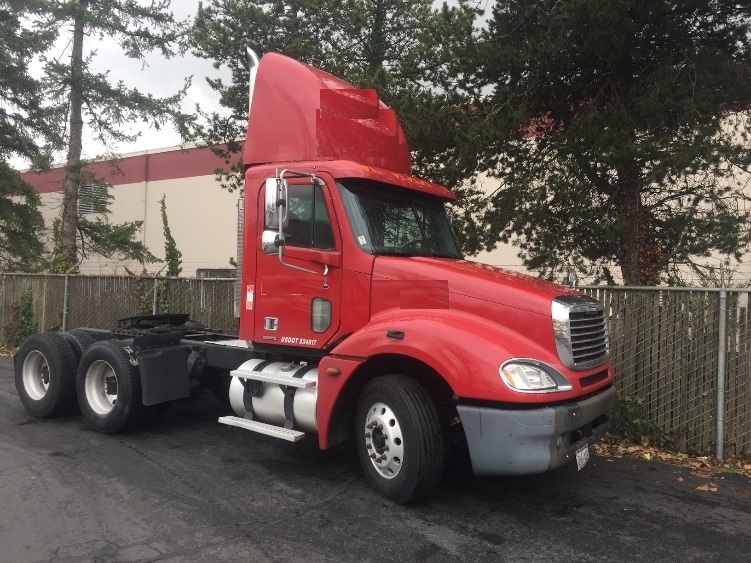 Day Cab Tractor-Heavy Duty Tractors-Freightliner-2006-Columbia CL12064ST-KENT-WA-400,324 miles-$28,400