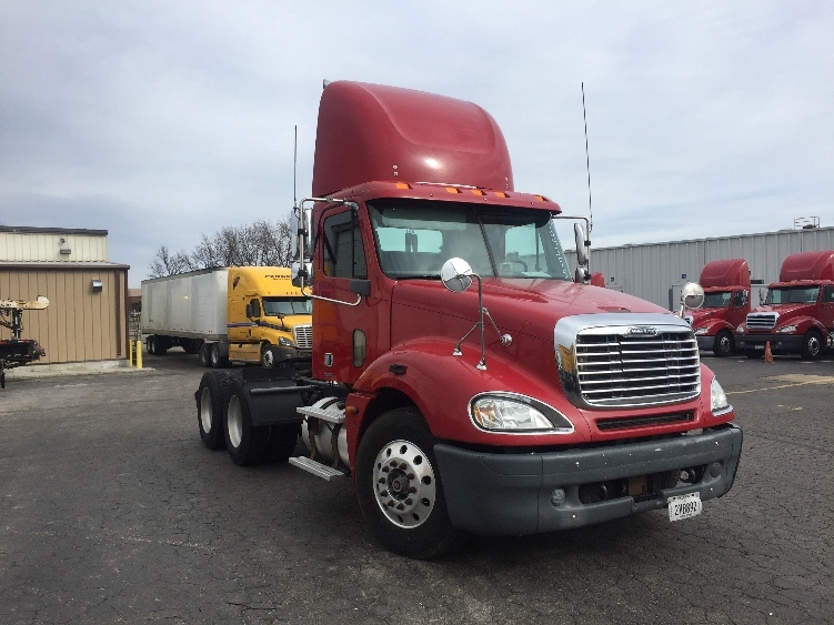 Day Cab Tractor-Heavy Duty Tractors-Freightliner-2006-Columbia CL12064ST-SAINT LOUIS-MO-589,042 miles-$29,400