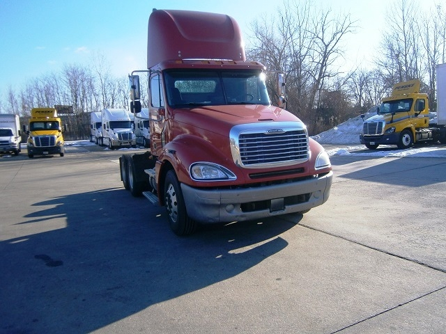 Day Cab Tractor-Heavy Duty Tractors-Freightliner-2007-Columbia CL12064ST-HARTFORD-CT-511,562 miles-$30,500