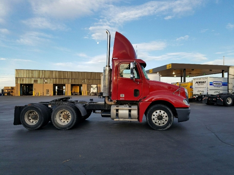 Day Cab Tractor-Heavy Duty Tractors-Freightliner-2007-Columbia CL12064ST-AURORA-CO-603,533 miles-$31,000