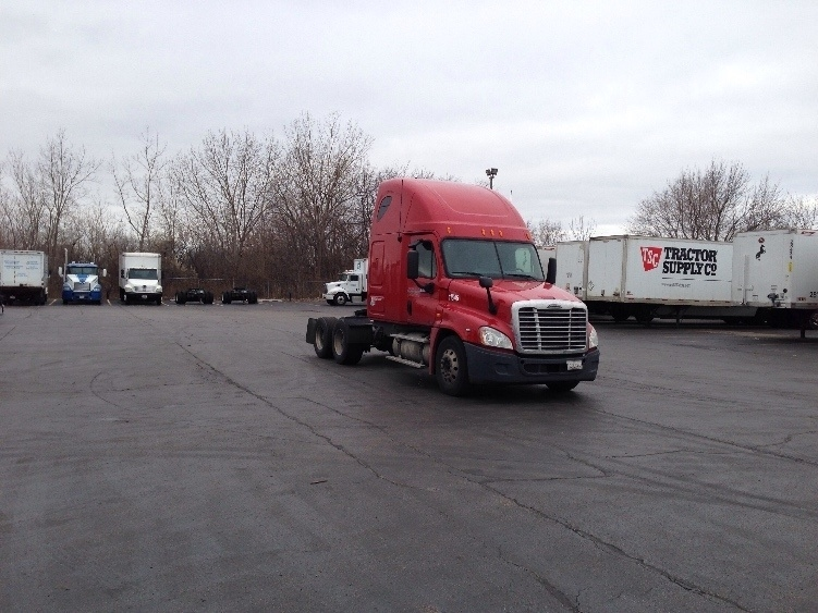 Sleeper Tractor-Heavy Duty Tractors-Freightliner-2011-Cascadia 12564ST-SOUTH HOLLAND-IL-540,235 miles-$32,750