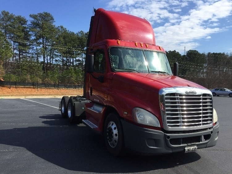 Day Cab Tractor-Heavy Duty Tractors-Freightliner-2009-Cascadia 12564ST-KENNESAW-GA-631,849 miles-$26,250