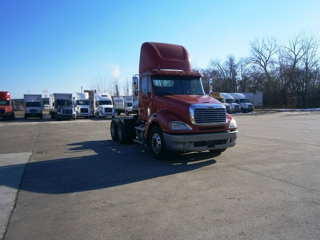 Day Cab Tractor-Heavy Duty Tractors-Freightliner-2007-Columbia CL12064ST-HARTFORD-CT-499,042 miles-$30,000