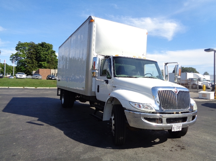 Medium Duty Box Truck-Light and Medium Duty Trucks-International-2011-4300M7-LONDON-ON-283,820 km-$18,000