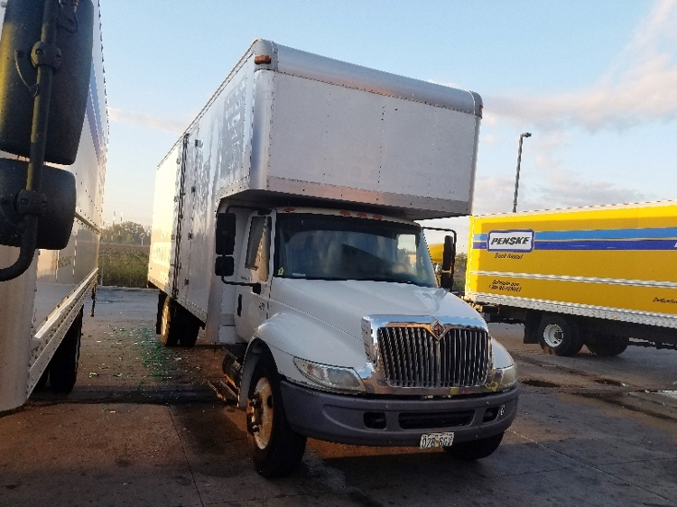 Medium Duty Box Truck-Light and Medium Duty Trucks-International-2006-4300-KANSAS CITY-MO-184,990 miles-$9,500