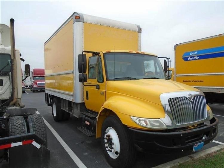 Medium Duty Box Truck-Light and Medium Duty Trucks-International-2005-4200-SAN ANTONIO-TX-350,000 miles-$5,200
