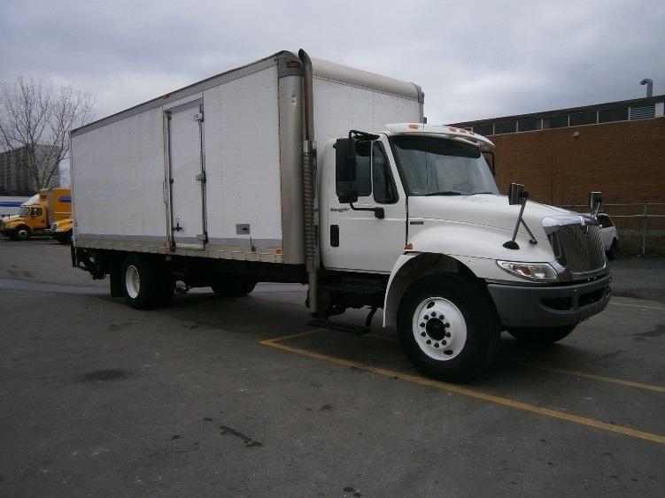 Medium Duty Box Truck-Light and Medium Duty Trucks-International-2010-4300-SCARBOROUGH-ON-163,450 km-$27,750