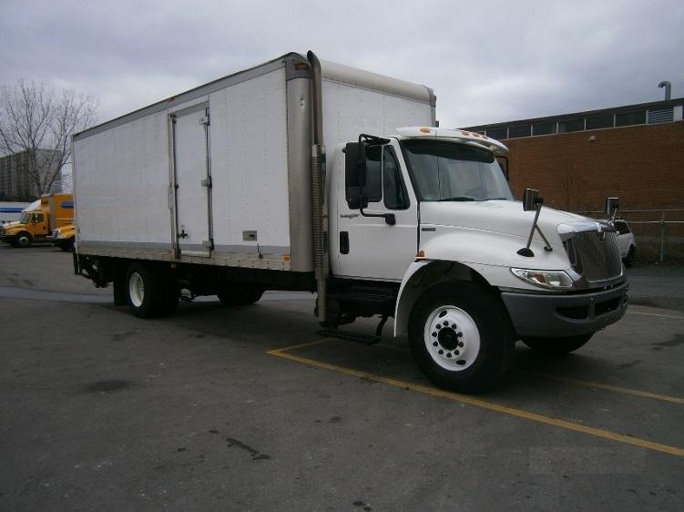 Medium Duty Box Truck-Light and Medium Duty Trucks-International-2010-4300-SCARBOROUGH-ON-184,938 km-$28,000