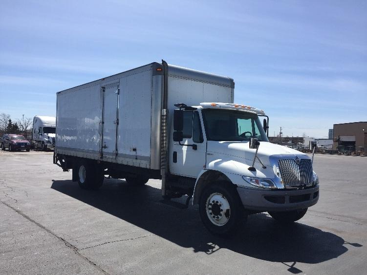 Medium Duty Box Truck-Light and Medium Duty Trucks-International-2010-4300-SCARBOROUGH-ON-146,262 km-$30,000