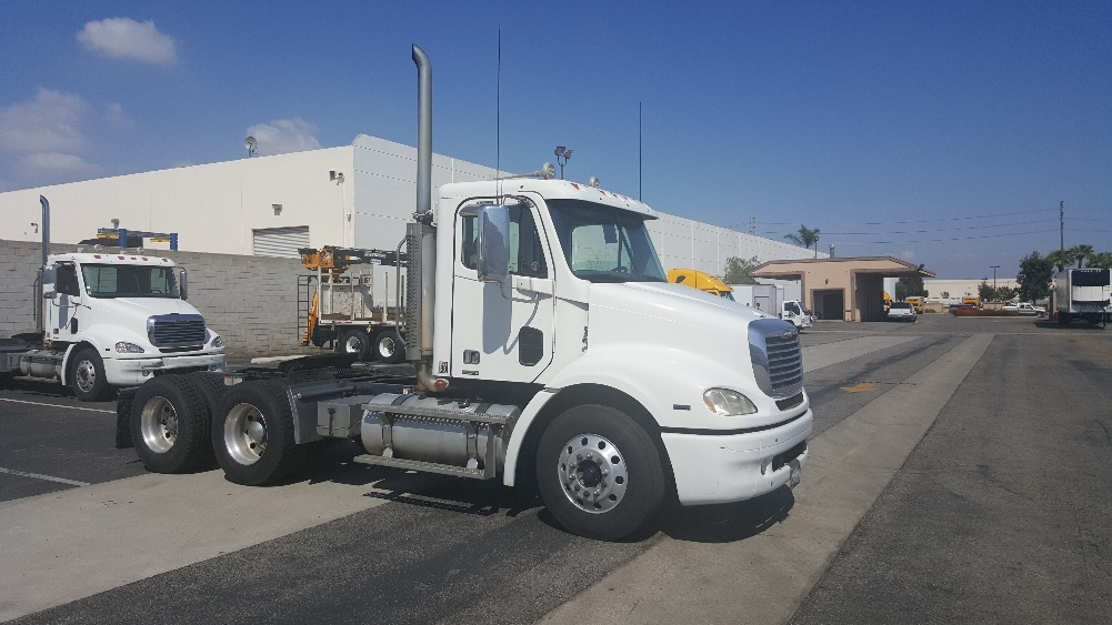 Day Cab Tractor-Heavy Duty Tractors-Freightliner-2007-Columbia CL11264ST-TORRANCE-CA-314,418 miles-$29,500