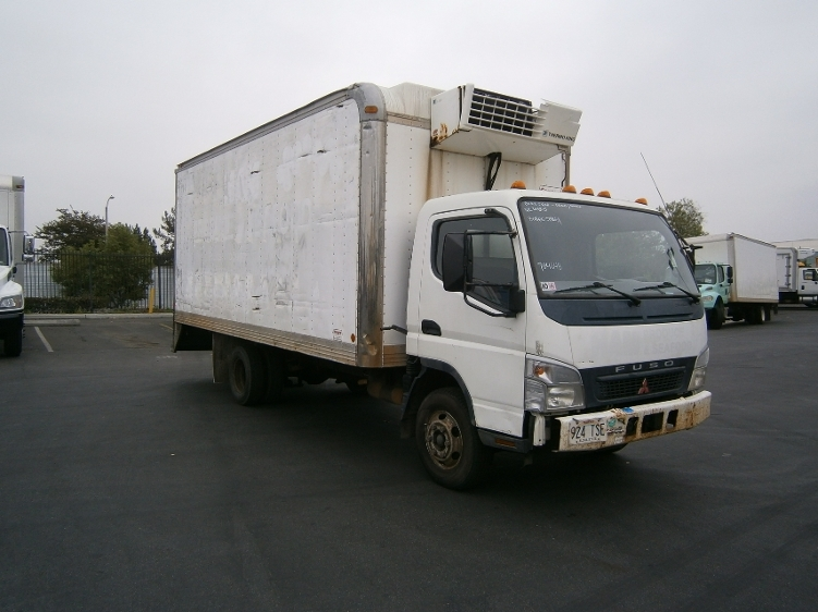 Reefer Truck-Light and Medium Duty Trucks-Mitsubishi-2006-FE140-TORRANCE-CA-175,316 miles-$10,750