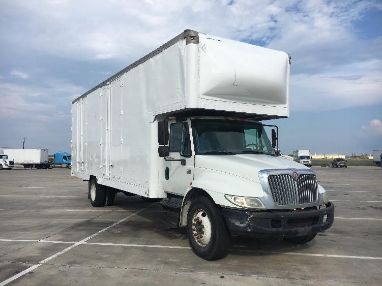 Medium Duty Box Truck-Light and Medium Duty Trucks-International-2002-4300-CORPUS CHRISTI-TX-298,701 miles-$12,500