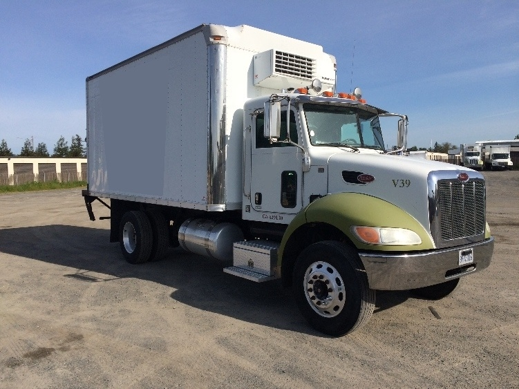 Reefer Truck-Light and Medium Duty Trucks-Peterbilt-2009-335-WEST SACRAMENTO-CA-189,487 miles-$30,500