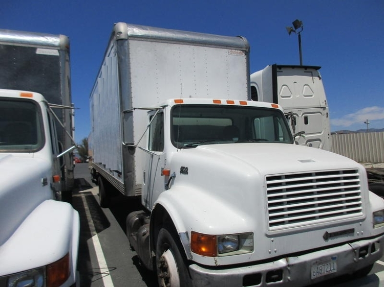 Medium Duty Box Truck-Light and Medium Duty Trucks-International-2000-4700-SUN VALLEY-CA-193,795 miles-$4,450