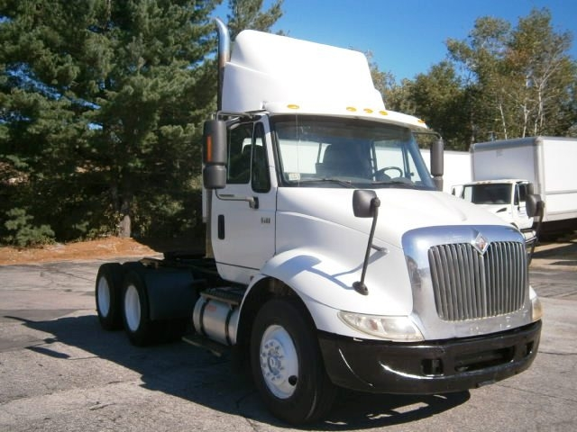 Day Cab Tractor-Heavy Duty Tractors-International-2004-8600-HUDSON-NH-561,183 miles-$16,500