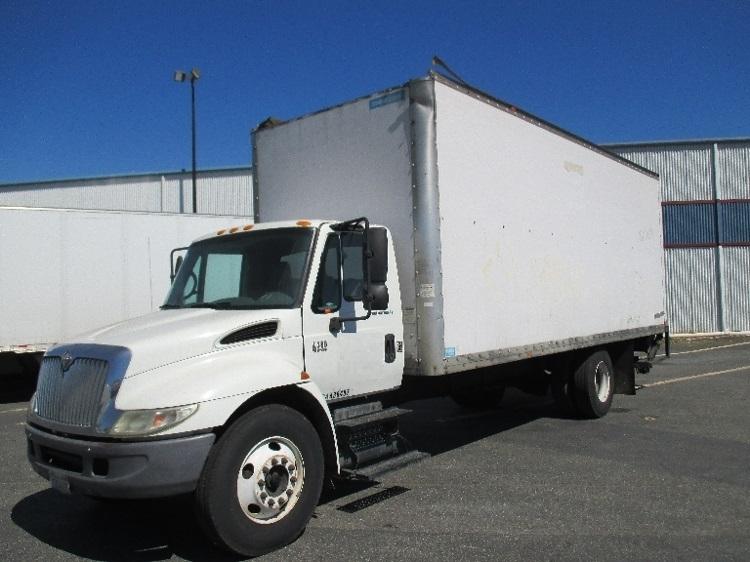 Medium Duty Box Truck-Specialized Equipment-International-2005-4300-RICHMOND-CA-429,671 miles-$8,950