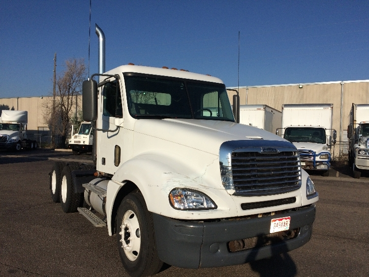Day Cab Tractor-Heavy Duty Tractors-Freightliner-2007-Columbia CL12064ST-DENVER-CO-733,633 miles-$26,500