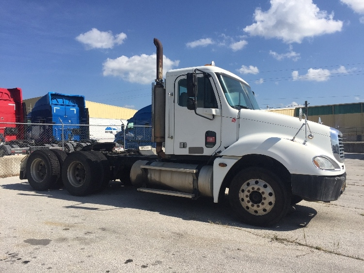 Day Cab Tractor-Heavy Duty Tractors-Freightliner-2005-Columbia CL12064ST-FORT SMITH-AR-926,589 miles-$12,500